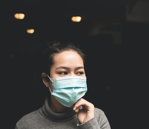 מסכות קורונה ובריאות העור
